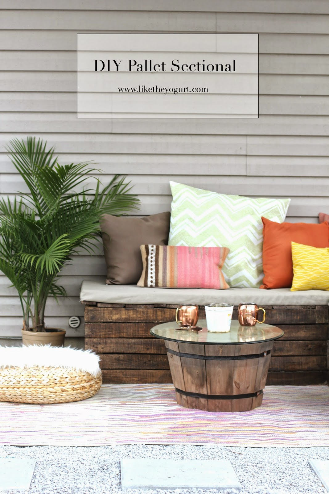Image of: Diy Pallet Sectional For Outdoor Furniture Like The Yogurt
